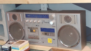 Vintage Lloyd's Ghetto Blaster & Candle Home Stereo System