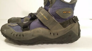 NIKE femme soulier taille 8 - ALL CONDITIONS GEAR - TOUT TERRAIN
