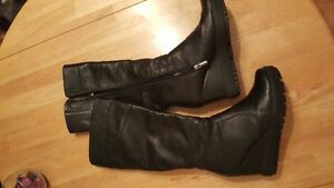 Leather winter boots size 8.5