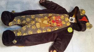 Disney winter suit 0-3 months