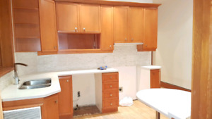 Nice 5 1/2 - 6 1/2 Available for now - Parc la Fontaine