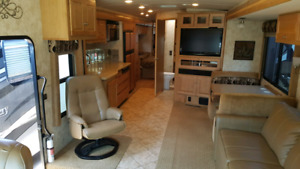 2009 Winnebago Destination 39W Diesel Motorhome  Coach RV