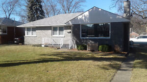 Northend beauty bungalow with garage