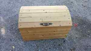 Toy chest/Hope chest $30