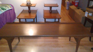 Coffee table w/ 2 wing end tables