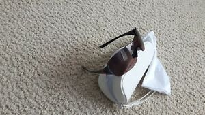 Ladies polarized Oakley sunglasses