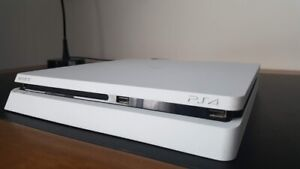 Great condition PS4 slim