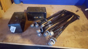 "3"" engineered lift blocks and U bolts ( brand new )"