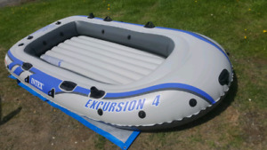 Brand NEW Intex 4 person inflatable Boat Raft Dinghy