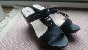 Hush Puppy Black Leather Wedge Sandal- Brand New in Box