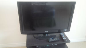 32 Inch Flat Screen TV (LG)