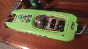 """Selling my 17"""" miss geico pro boat"""