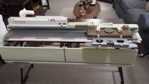 Singer/Studio 155 knitting machine and ribber