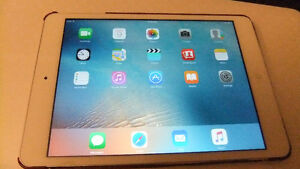 Excellent Condition Ipad Mini 1st Generation with Case