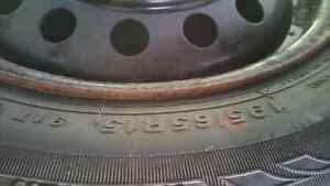 4 pneu hiver sur rim 5 trou 195/65/15