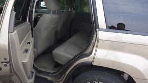 2006 Jeep Grand Cherokee 4X4 V6 SAFETY & E-TESTED London Ontario image 8