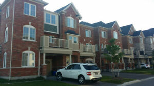Room for Rent in new townhouse ( Aurora )