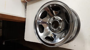 15 inch GM rally rims (4) center caps,lug nuts,covers London Ontario image 6