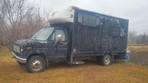 1986 ford diesel  insulated for quaders hunters campers movers