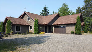 BEAUTIFUL COUNTRY STYLE HOUSE LOCATED 14 EDEN, DSL OF ST-LEONARD