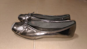 Jessica Simpson Metallic Shoes Flats Ballet Style Toes