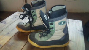 SnowBoard Boots size 9.  $ 15 firm