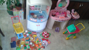 Step 2 kids kitchen, vanity and tons of accessories