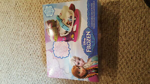 BNIB Girls frozen adjustable skates size youth 8-11