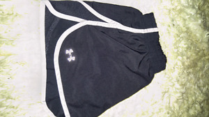 XSMALL UNDER ARMOUR SHORTS