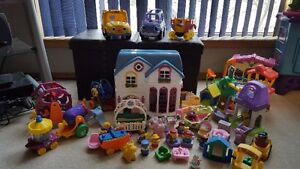 Large Little People Lot   *Price Reduced*