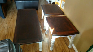 Coffee and 2 end tables matching set excellent shape solid wood