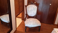 ANTIQUE CHAIR - VERY OLD - IN VERY GOOD CONDITION