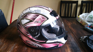 LADIES OR YOUTH KIDS NICE PINK MOTORCYCLE HELMENT SIZE SMALL