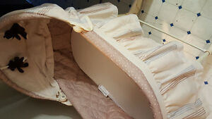 Bassinet the with blanket and sleeping bag for baby Windsor Region Ontario image 2
