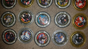 Old RARE vintage metal hockey pogs all in excellent condition!!! London Ontario image 3