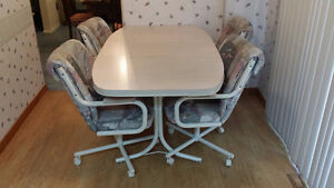 Kitchen Table and 4 Chairs + Free Delivery