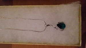 two beautiful necklaces make an offer Windsor Region Ontario image 2