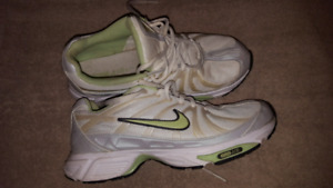 Nike ZoomAIR size 9