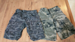 Lot of 2 military printed shorts - 10 T