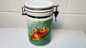 DISNEY SIMPLY POOH counter canister