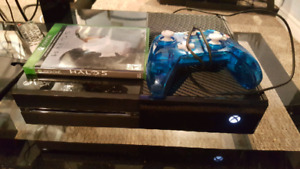Xbox one 500GB 7 months Gold on it