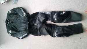 Motorcycle 2 piece leather suit  Peterborough Peterborough Area image 1
