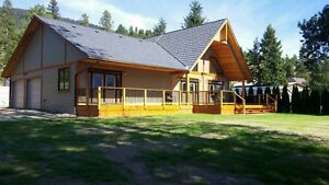 Beautiful Shuswap lakefront home