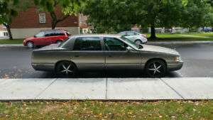 "1998 Cadillac Deville Concours, 4.6L 20""mazzi mags, heated seats"