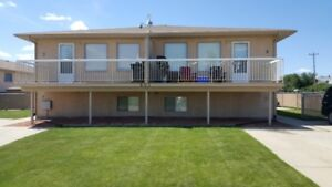 Large Redcliff 4plex for rent