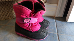 Size 7 Kamik Boots Excellent Condition