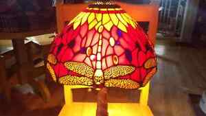 Stunning Tiffany Style Dragonfly Red Stained Glass Lamp w/Mosaic