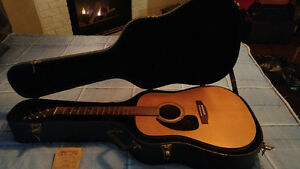 "Left Hand Seagull ""S Series"" Acoustic Guitar with Case"