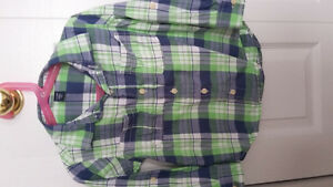 Baby gap button up shirt size 4t