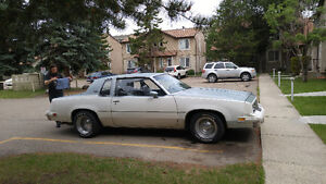 Selling 1981 olds cutlass supreme, mint interior.